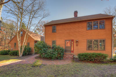 Barnstable Single Family Home For Sale: 81 Cammett Way