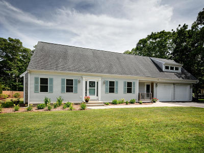 Falmouth Single Family Home For Sale: 1 Wagon Trail Road