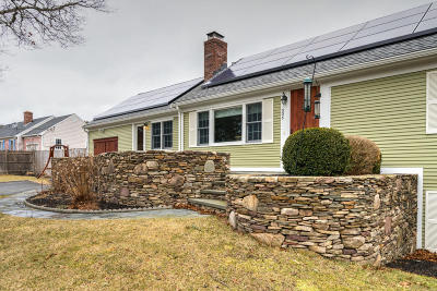Barnstable Single Family Home For Sale: 305 Mariner Circle