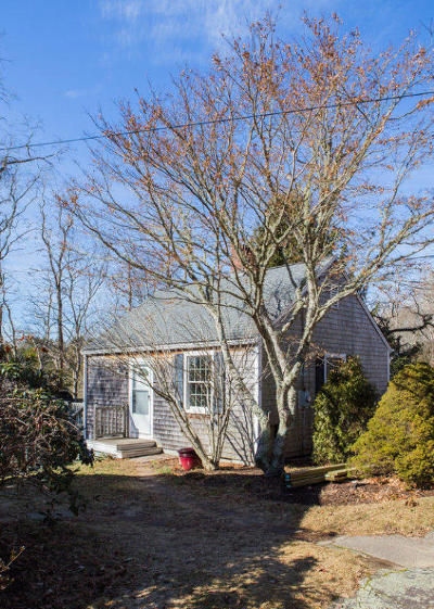 Falmouth Single Family Home For Sale: 328 Boxberry Hill Road