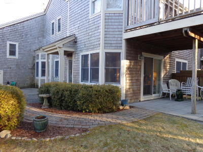Yarmouth Condo/Townhouse Contingent: 28 Blueberry Path #P