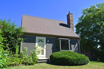 Sandwich Single Family Home For Sale: 131 Knott Avenue