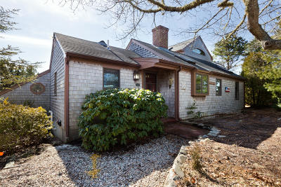 Chatham MA Single Family Home For Sale: $549,000