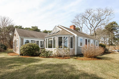 Chatham MA Single Family Home For Sale: $899,000