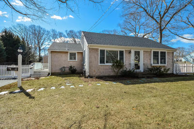 Falmouth Single Family Home Contingent: 65 Jericho Path