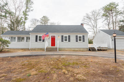 Mashpee Single Family Home Contingent: 54 Beechwood Drive