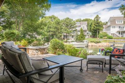Mashpee Single Family Home For Sale: 42 Spoondrift Way