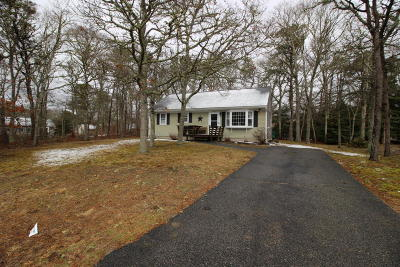 Barnstable Single Family Home Contingent: 83 Frost Lane