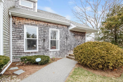 Bourne Condo/Townhouse Contingent: 35 Harbor Hill Drive