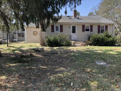 Plymouth MA Single Family Home For Sale: $305,000