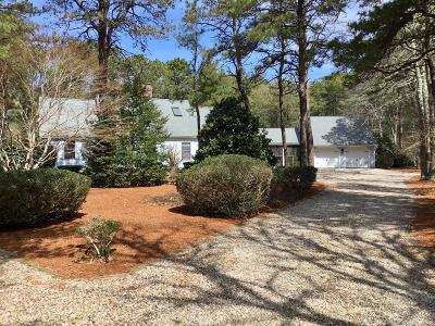Mashpee Single Family Home For Sale: 25 The Morgan Circle