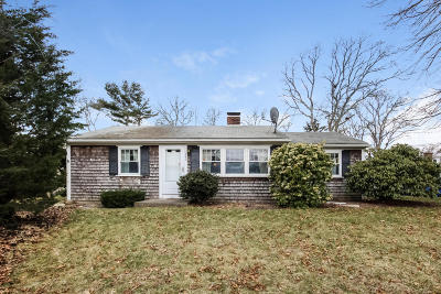 Barnstable Single Family Home For Sale: 343 Strawberry Hill Road