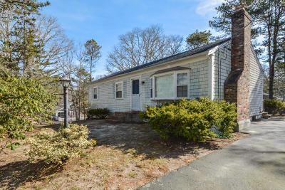 Dennis Single Family Home Active W/Contingency: 39 Bay Ridge Drive