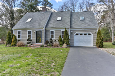 Barnstable Single Family Home For Sale: 385 Skunknet Road