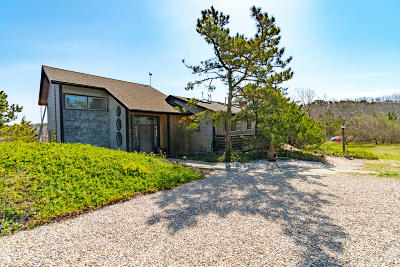 Single Family Home Sold: 105 Catboat Road