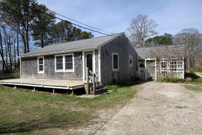 Eastham Single Family Home Active W/Contingency: 15 Massasoit Road