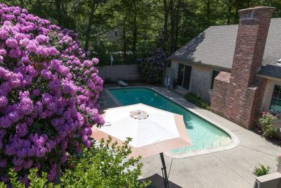 Barnstable Single Family Home For Sale: 11 Peach Tree Road