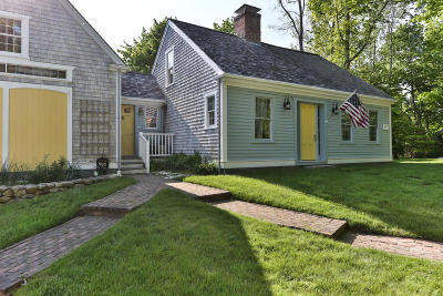 Barnstable Single Family Home For Sale: 20 Oyster Place Road