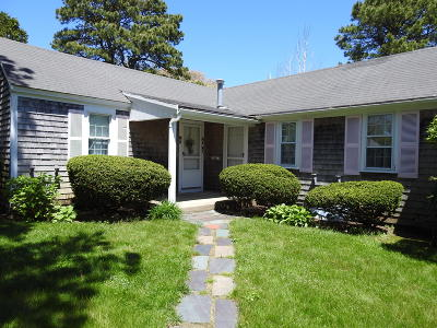 Barnstable Condo/Townhouse For Sale: 230 Gosnold #M678