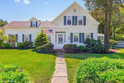 Barnstable Single Family Home For Sale: 470 Main Street