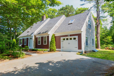 Sandwich Single Family Home For Sale: 5 Holiday Lane