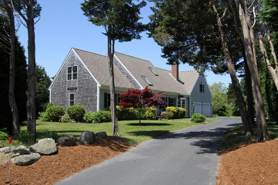 Orleans Single Family Home For Sale: 4 Nauset Heights Road