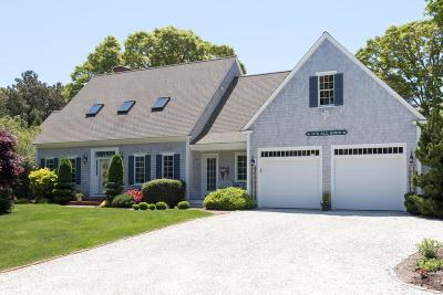 Chatham Single Family Home Active W/Contingency: 90 Meadow View Road