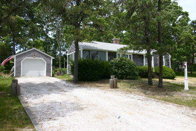 Chatham Single Family Home Active W/Contingency: 25 Bobbies Lane