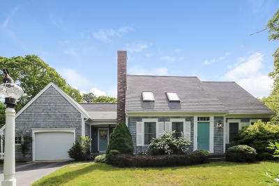 Chatham MA Single Family Home For Sale: $675,000