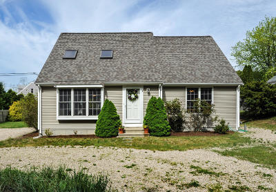Harwich Single Family Home Active W/Contingency: 4 Quaker Lane