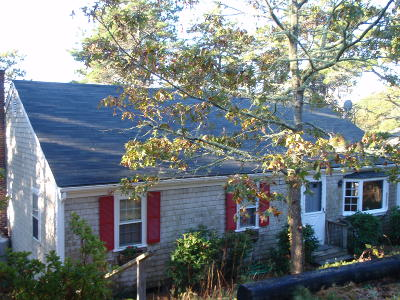 Chatham MA Single Family Home For Sale: $689,000