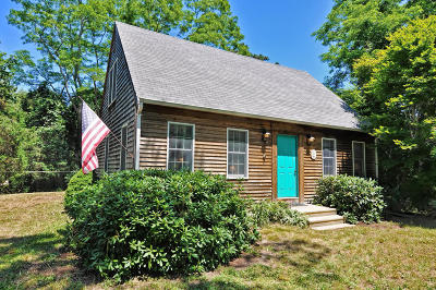 Eastham Single Family Home Active W/Contingency: 12 Brenda Lane