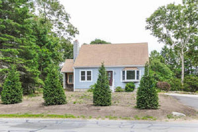 Chatham MA Single Family Home For Sale: $405,000