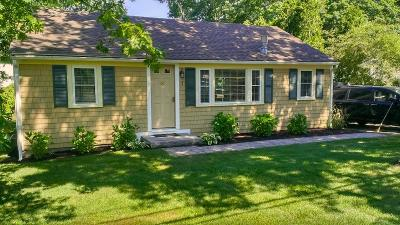 Mashpee Single Family Home For Sale: 17 Uncle Percys Road