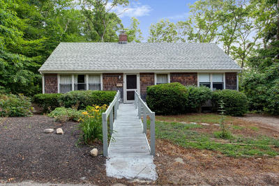 Falmouth Single Family Home Active W/Contingency: 8 McGregor Road