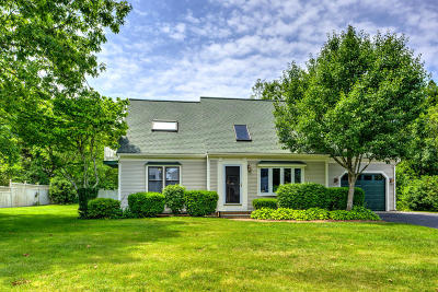 Barnstable Single Family Home For Sale: 33 Harbor Road