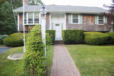Yarmouth Single Family Home For Sale: 33 Centerboard Lane