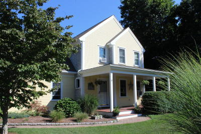 Barnstable Single Family Home For Sale: 10 Berkshire Trail
