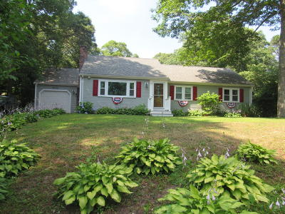 Barnstable Single Family Home For Sale: 90 Cranberry Lane