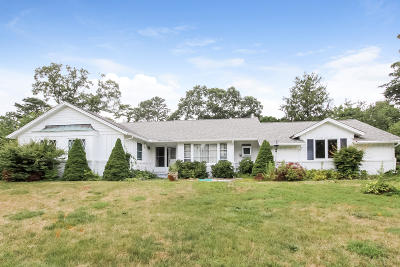Barnstable Single Family Home For Sale: 131 Country Club Drive