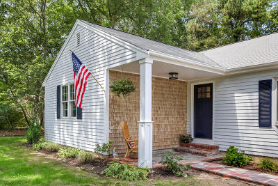 Sandwich Single Family Home Active W/Contingency: 32 Piccadilly Road