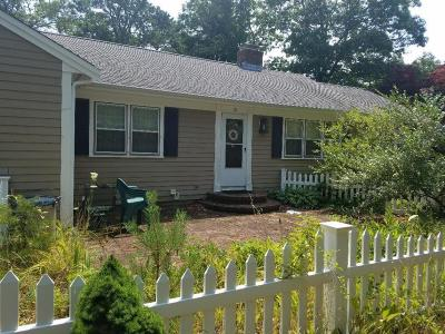 Yarmouth Single Family Home For Sale: 15 Roberta Drive