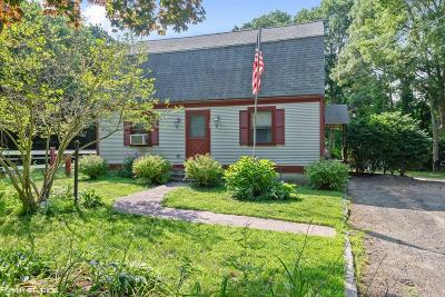 Bourne Single Family Home For Sale: 144 Clay Pond Road