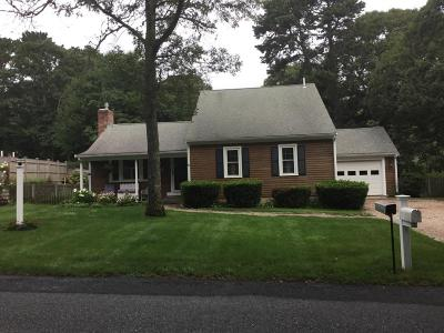 Yarmouth Single Family Home For Sale: 84 Freeboard Lane