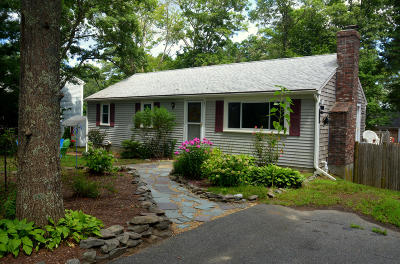 Mashpee Single Family Home For Sale: 21 Beechwood Drive