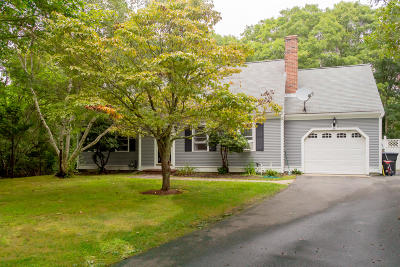 Barnstable Single Family Home For Sale: 25 Derby Drive