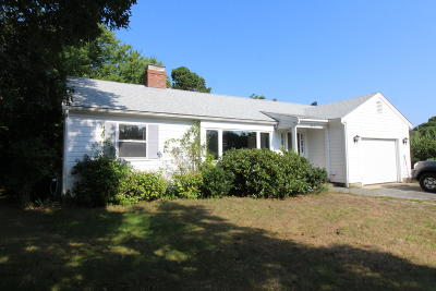 Harwich MA Single Family Home For Sale: $795,000