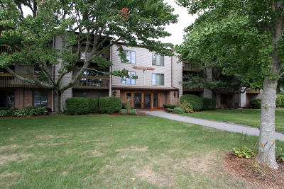 Orleans Condo/Townhouse Active W/Contingency: 24 Old Colony Way #1