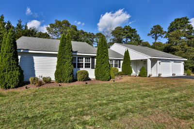 Barnstable Single Family Home For Sale: 115 Foxglove Road