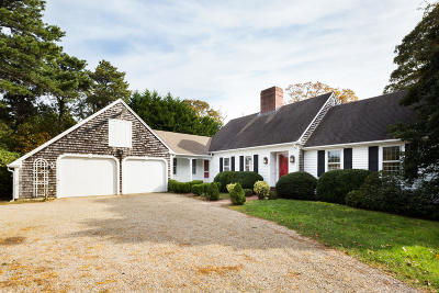 Chatham Single Family Home For Sale: 18 Deer Meadow Lane